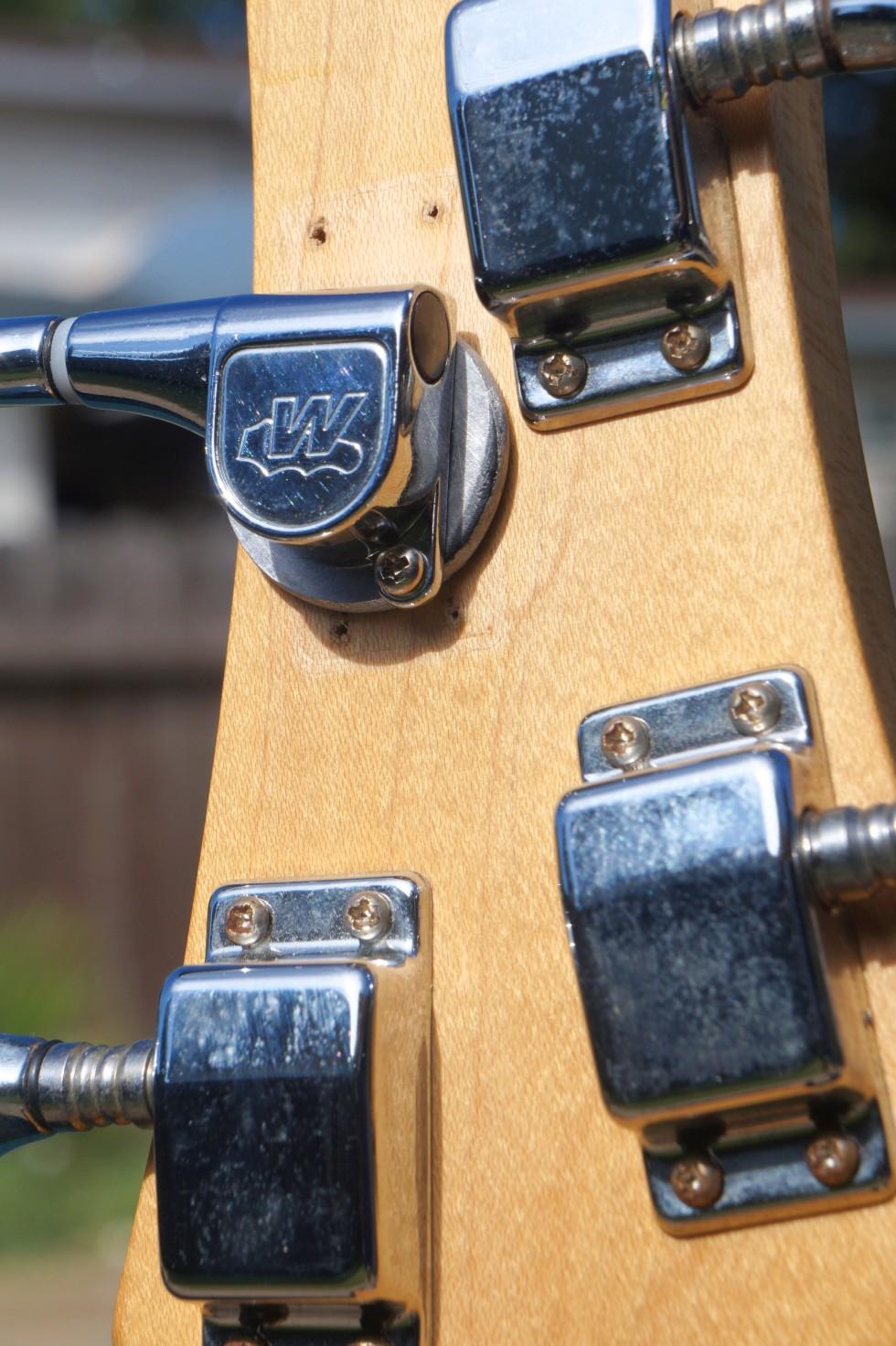 ibenez_4-string_hdstck-rear-cls