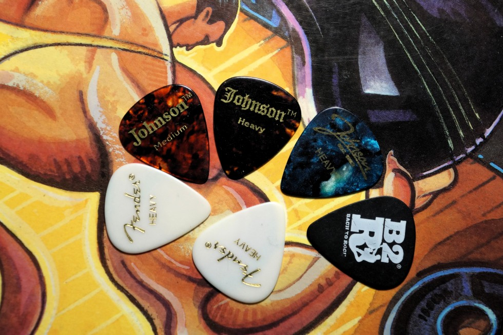 ibenez_4-string_picks