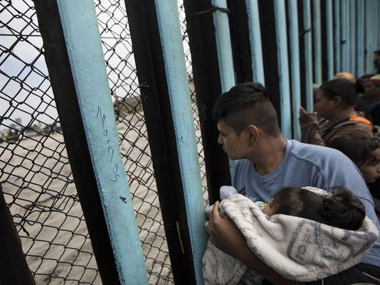 636632000890539650-AP-Mexico-Migrant-Caravan-99594819